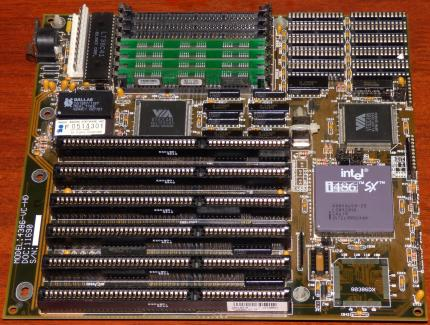 486er Mainboard Model: 4386-VC-HD inkl. Intel i486 SX-25 MHz CPU sSpec SX679, 4x Toshiba THM91070AS-70 RAM, VIA V82C481 & VT82C495, Award Bios 1992