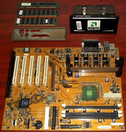 FIC SD-11 Mainboard mit AMD K7 Slot-A CPU & RAM, AMD 751 Irongate North Bridge und VIA 686A
