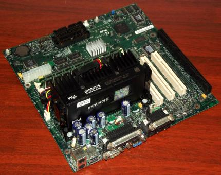 Intel E139761 RC440BX AA 719448-205 mit Intel Pentium II 350MHz CPU, 256MB SDRAM, Creative Labs ES1371 Sound & nVidia Riva 128ZX VGA on-Board 1998
