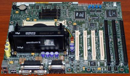 Intel E1397761 Mainboard FX Chipsatz USB Yamaha OPL YMF715 on-Board Sound, Intel Pentium II 233MHz CPU sSpec: SL28K, IKPD72506548 AA 678458-309 PB 663131, Intel 1997