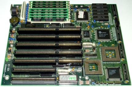 QD-U386DX Mainboard, UMC 82C482AF Chipsatz, AMD Am386DX-40 CPU, AmiBios 1992